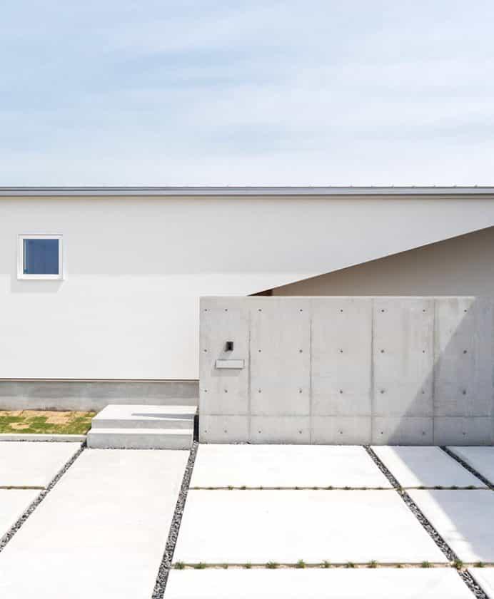 3つの中庭のある平屋の家